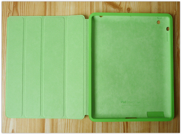 Apple iPad Smart Case inside