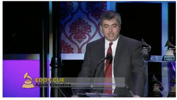 Apple's Eddy Cue accepts special Grammy award honoring Steve Jobs